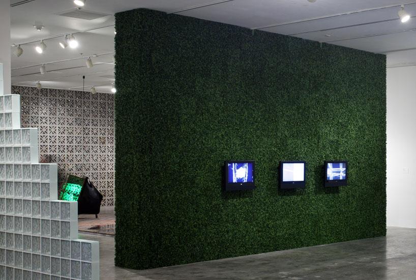 green walls- 2