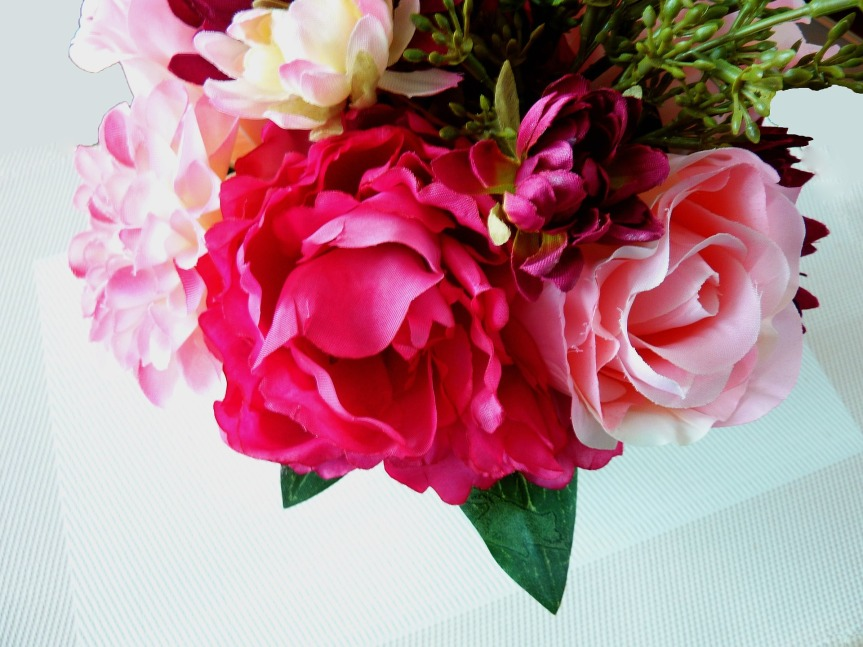 artificial-flowers-1464090_1920